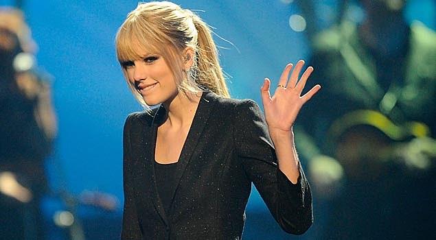 Taylor Swift, 'Teardrops on My Guitar' – Video Flashback
