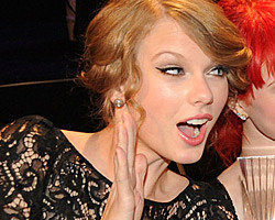 Does Taylor Swift Smoke Cigarettes Taylor-swift-21.jpg?w=600&h=0& ...