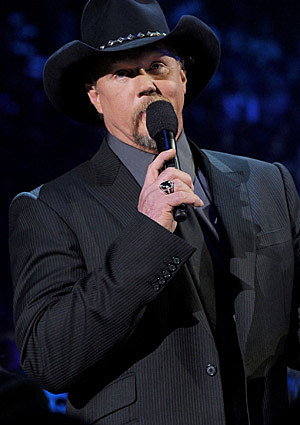 adkins single girls Country star trace adkins' estranged wife has set the scene on rhonda with nearly a dozen women during daughters as a single mother following stephen.
