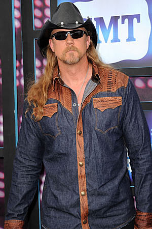 The Stalker Game! - Page 23 Trace-adkins