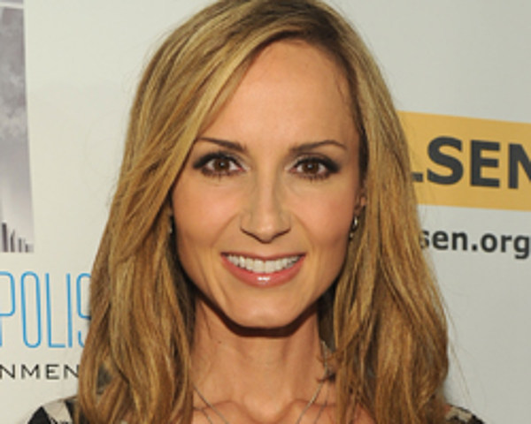 chely wright dishes details about her wedding with lauren