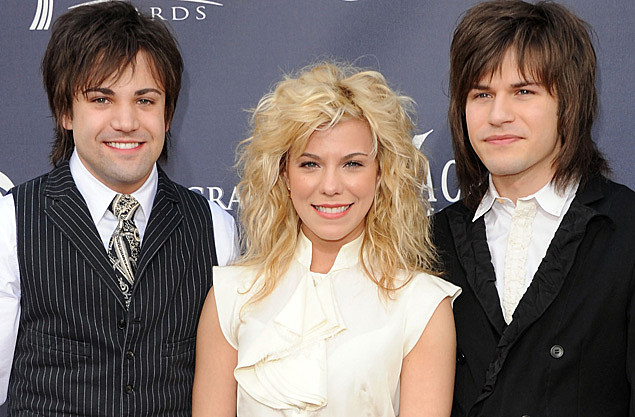 The band perry better dig two album cover