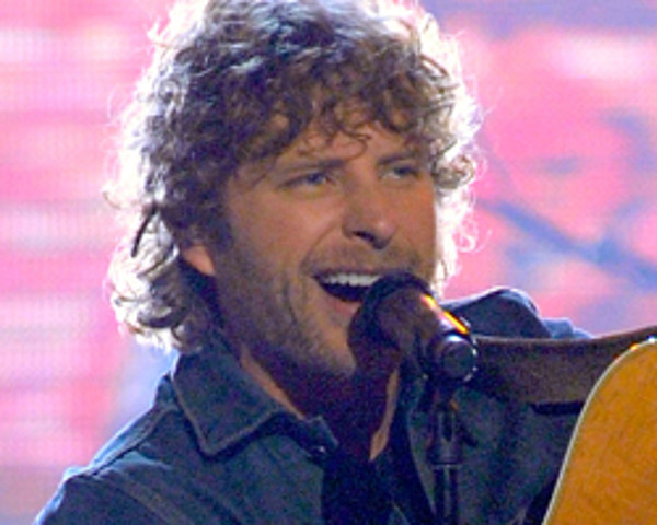 dierks bentley gets fans involved with am i the only one at 2011. Cars Review. Best American Auto & Cars Review