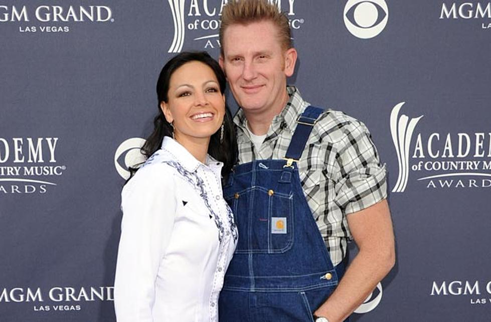 Joey and Rory to Release Christmas Album Straight From the \'Farmhouse\'