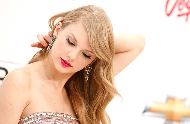 A recent article in the New Yorker touches upon Taylor Swift's 2012 album ...