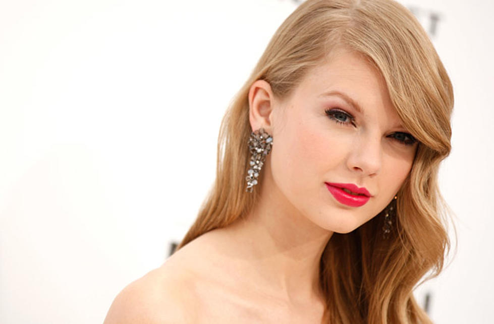 Taylor Swift Journey To Fearless Dvd Clip Surfaces