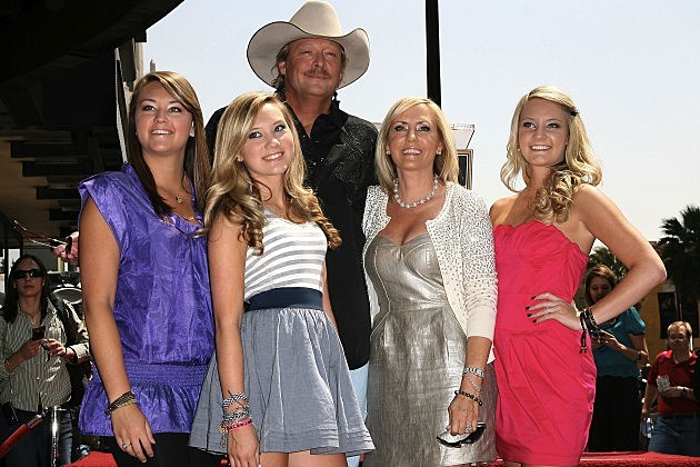 Recent Pictures Of Garth Brooks Daughters Alfa img - Showing &gt...