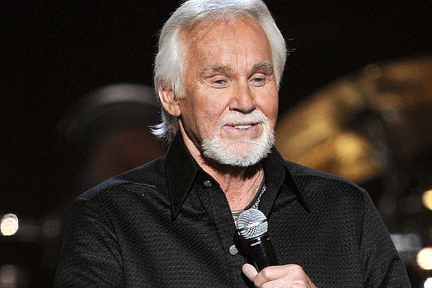 Kenny Rogers Plays Santa for Young Hurricane Sandy Victims