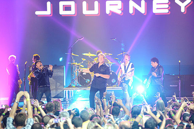 Rascal Flatts And Journey Close 2012 CMT Music Awards With Dont Stop Believin
