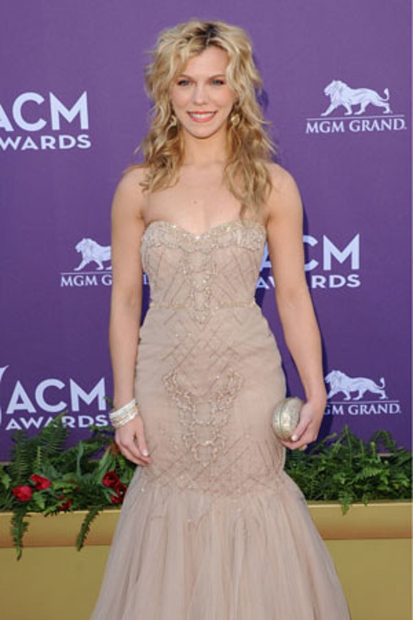 Ten Most Stunning Outfits From Kimberly Perry S Closet