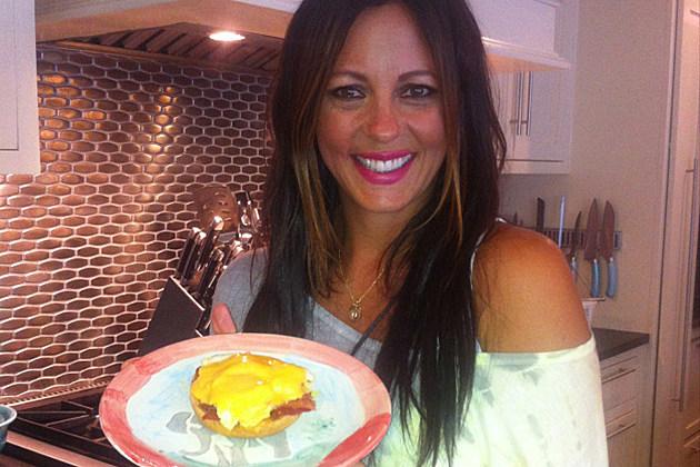 Sara Evans Egg-el