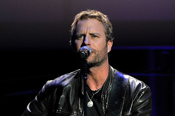 dierks bentley fans tip one back in new music video. Cars Review. Best American Auto & Cars Review