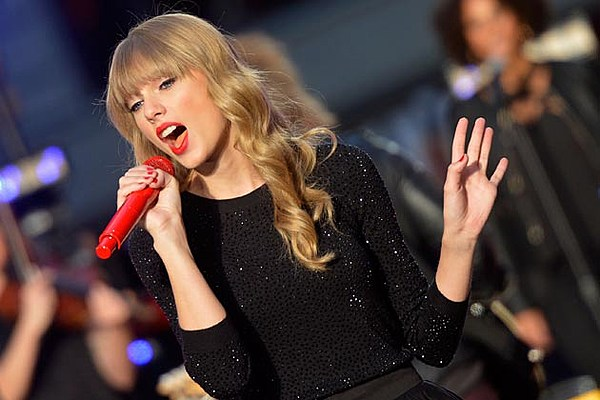 Taylor Swift Announces 2013 Red Tour