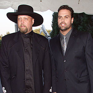 No. 45: Montgomery Gentry, 'Merry Christmas From the Family' – Top ...