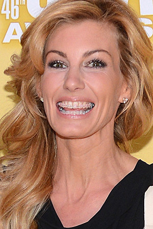 Faith hill gets braces for How old are faith hill s daughters