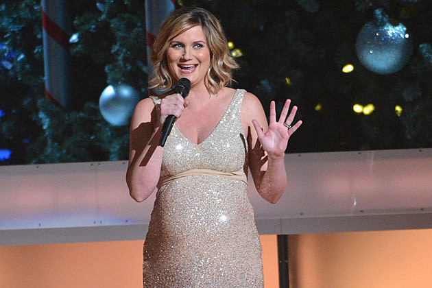Jennifer Nettles Urges 'CMA Country Christmas' Audience to 'Count ...