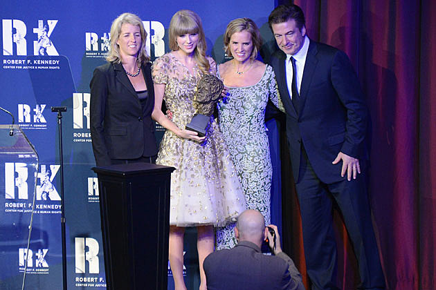 Taylor Swift Honored by Taylor Swift Family Pictures