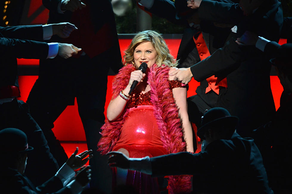 Jennifer Nettles Opens \'CMA Country Christmas\' with \'Naughty Would ...
