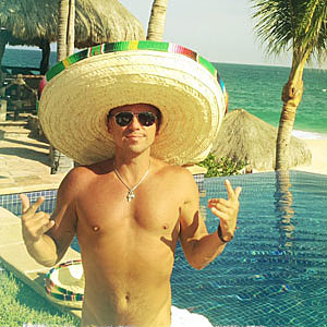 Kenny Chesney Shirtless