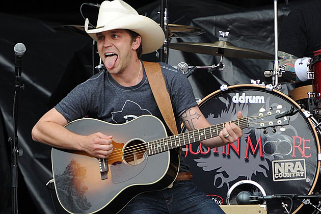 Justin Moore Funny Guitar Faces
