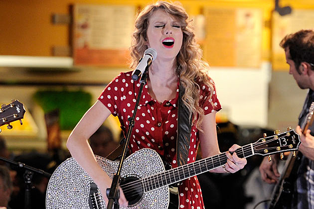 Taylor Swift Funny Guitar Faces