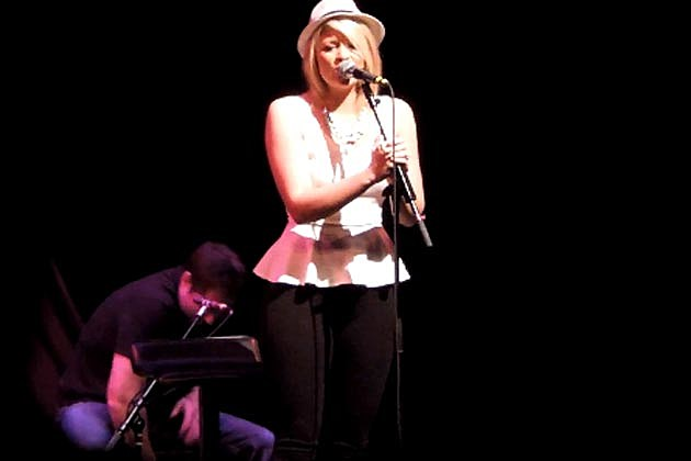 Lauren Alaina Breakdown Live