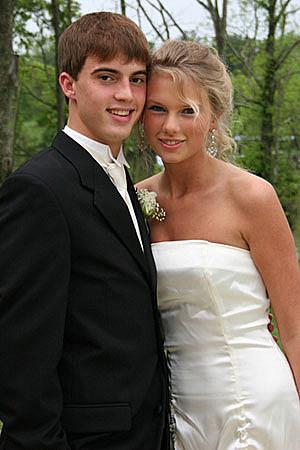 Taylor Swift Prom 2