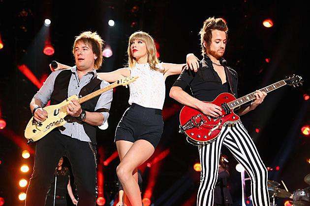 Taylor Swift CMA 2