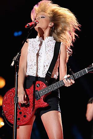 Taylor Swift CMA Festival