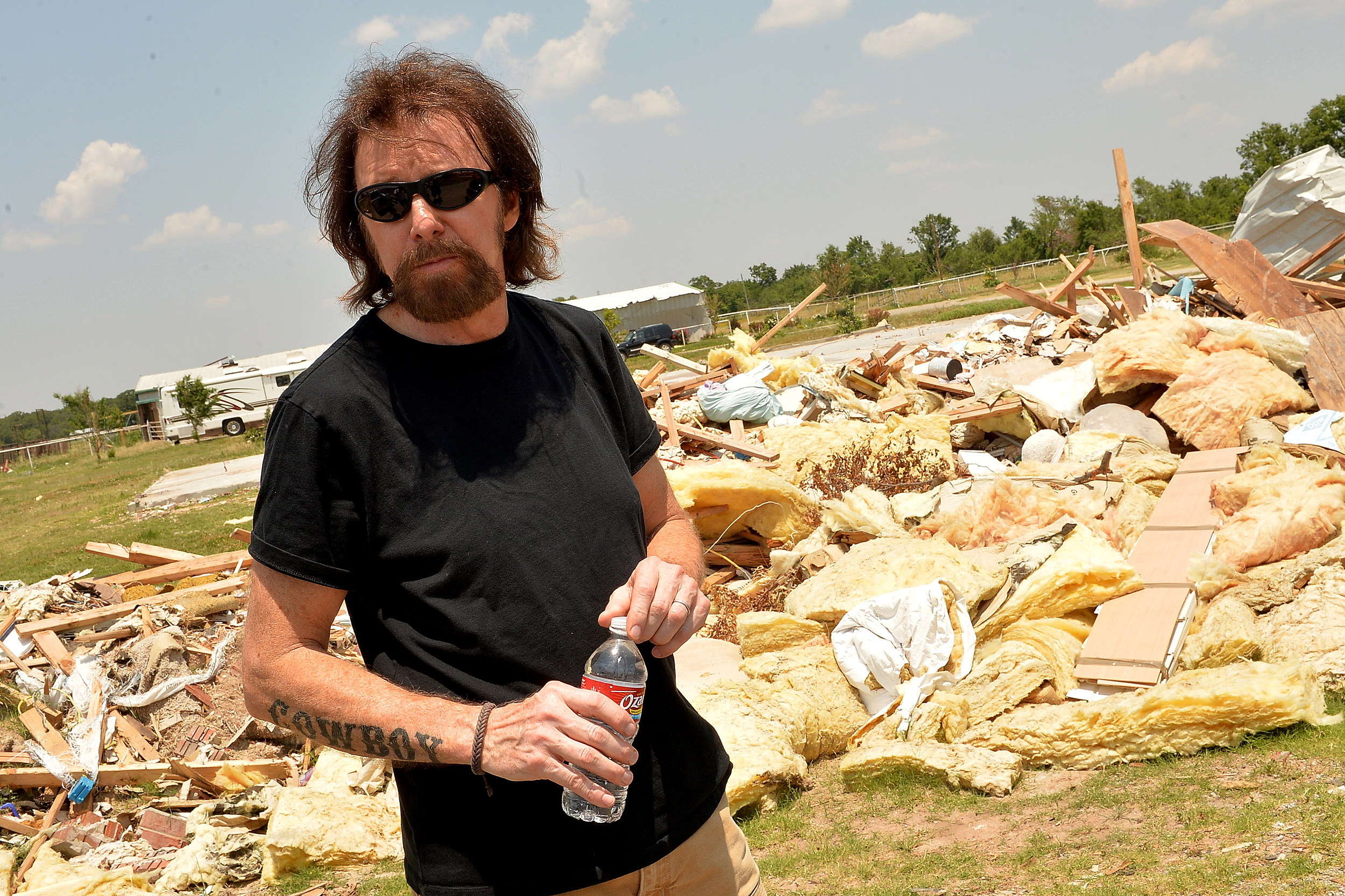 Ronnie Dunn Can't Escape the Ice Bucket Challenge [Watch]