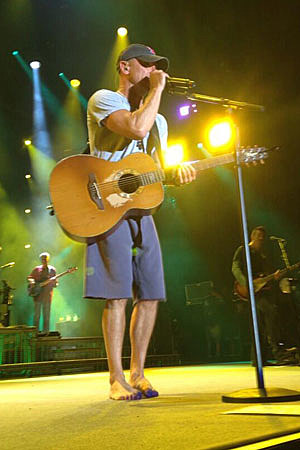 Kenny Chesney No Shoes
