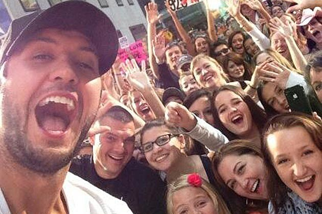 Luke Bryan Fans Today Show