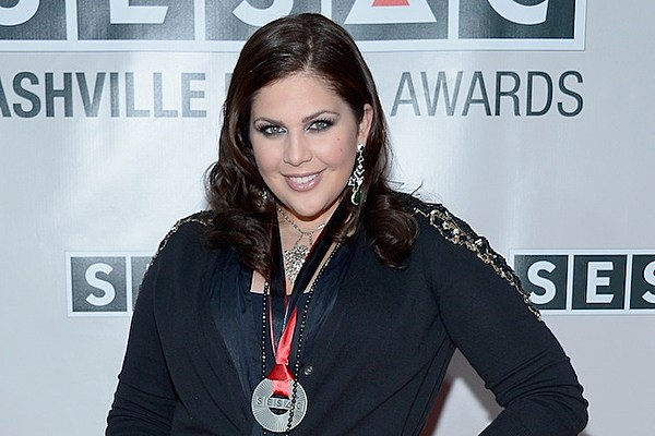 Hillary Scott Resents Expectations Of Post Pregnancy Bodies