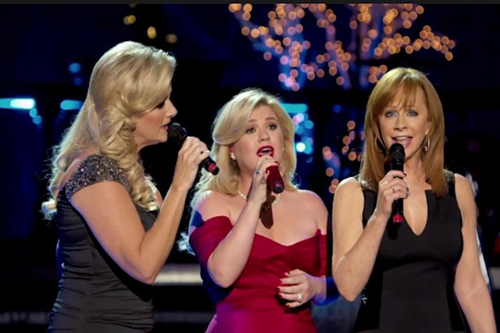 Kelly Clarkson\'s Cautionary Christmas Tale\' Teaser