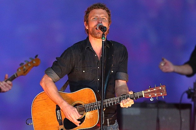 dierks bentley is a family man the drunk on a plane singer has. Cars Review. Best American Auto & Cars Review