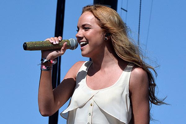 Danielle Bradbery S Young In America Tops Video Countdown