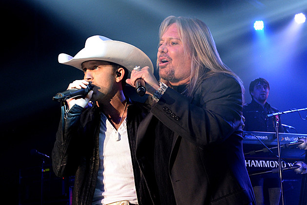 Justin Moore, Vince Neil