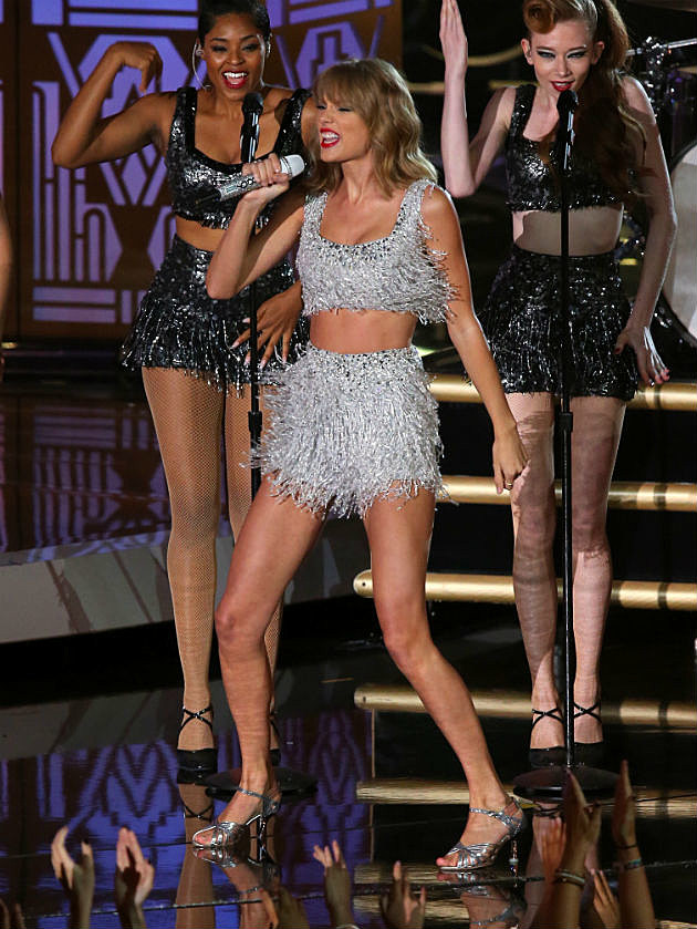 Taylor Swift VMA Performance