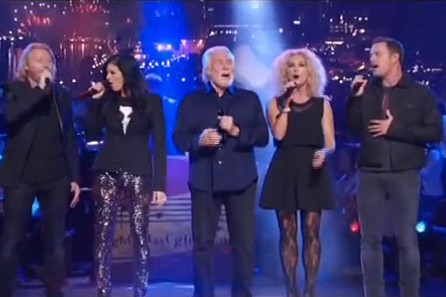 Kenny Rogers Joins Little Big Town for 'God Bless America' [Watch]