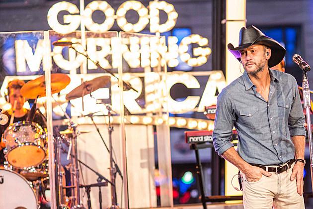Tim McGraw Takes 'Sundown Heaven Town' to New York, Nashville [Exclusive Pictures]