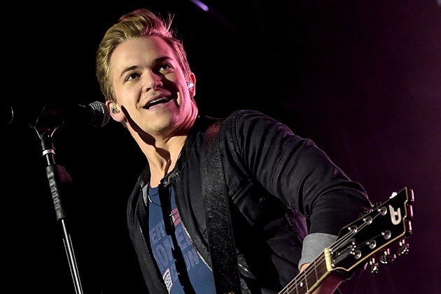 5 facts about hunter hayes and his relationship watch. Black Bedroom Furniture Sets. Home Design Ideas