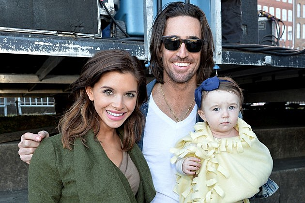 Photo of Jake Owen & his  Daughter  Olive Pearl Owen