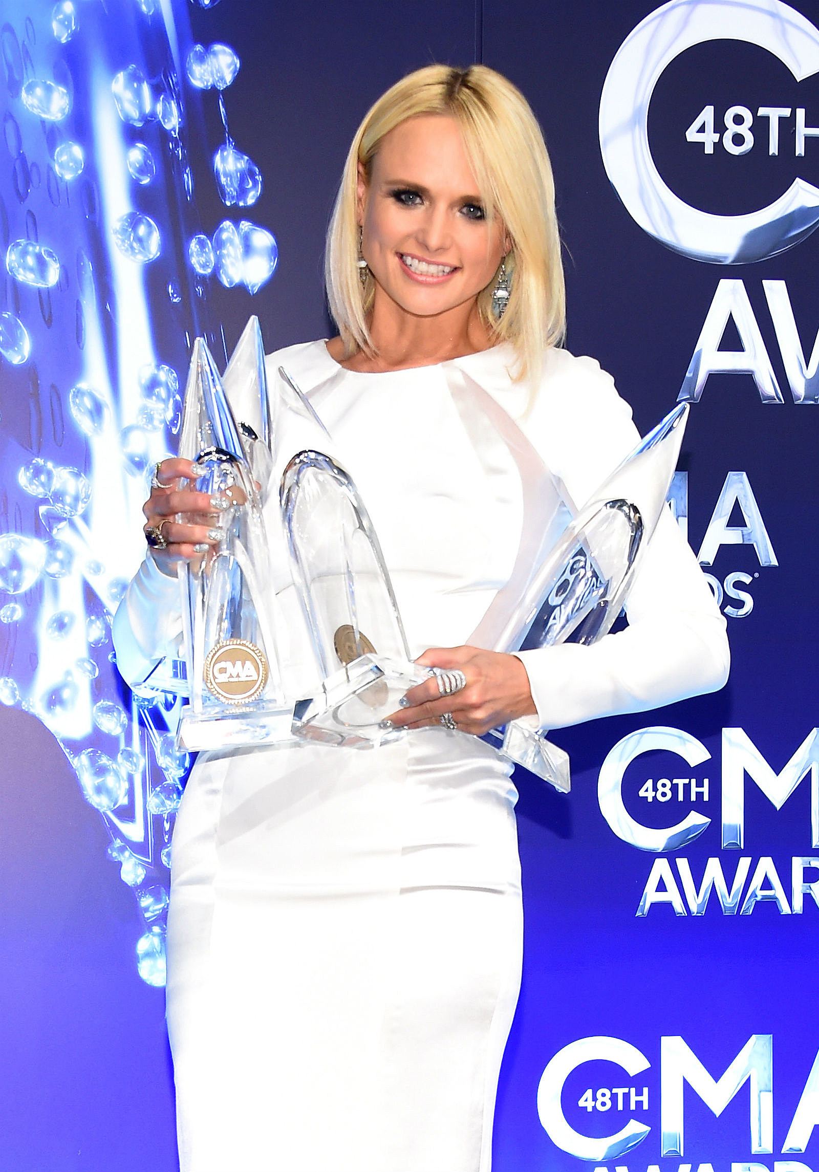 Bathroom Sink Youtube Cma miranda lambert debuts pink hair at the 2015 cma awards