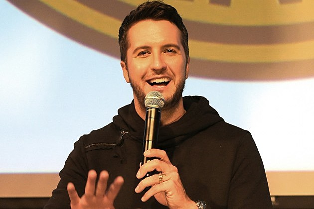 Luke Bryan Laughs So Hard He Cries in This Adorable Video ...