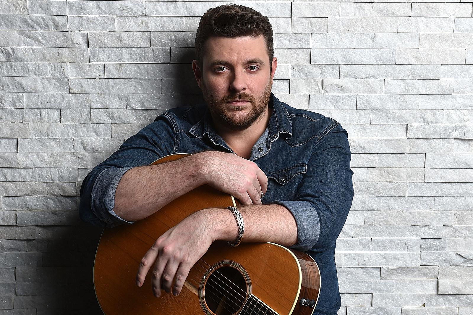 Chris Young's It Must Be Christmas Includes All-Star Collabs