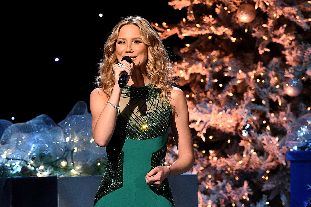 Jennifer Nettles Confirms Christmas Album