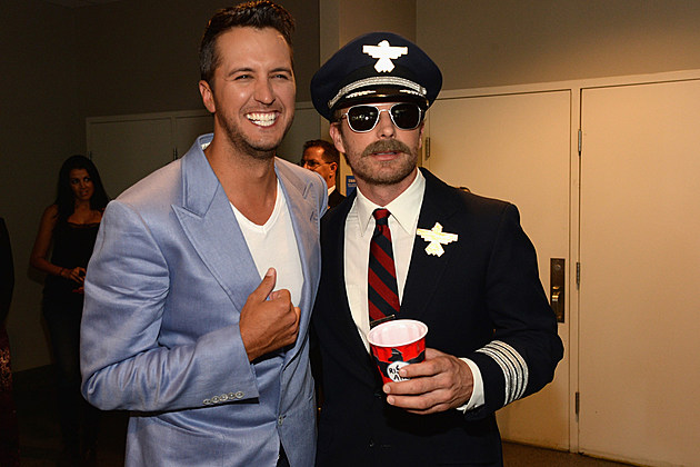 EXCLUSIVE: Hosts Luke Bryan and Dierks Bentley Preview the