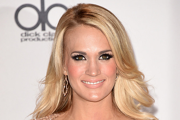 Carrie Underwood attends the 2015 American Music Awards