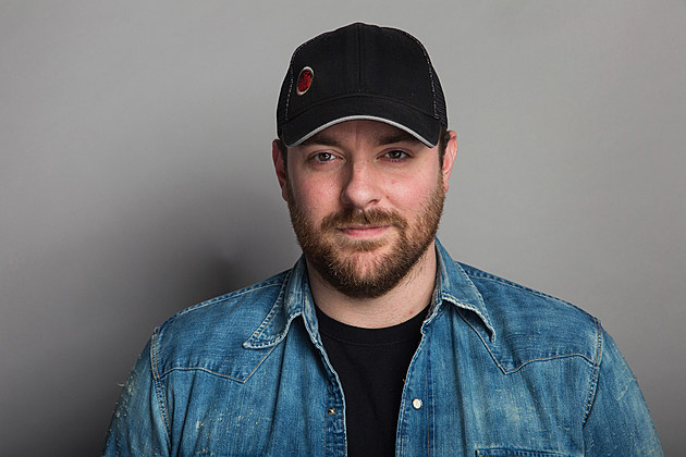 "Chris Young celebrates his seventh No. 1 hit, ""I'm Comin' Over"""