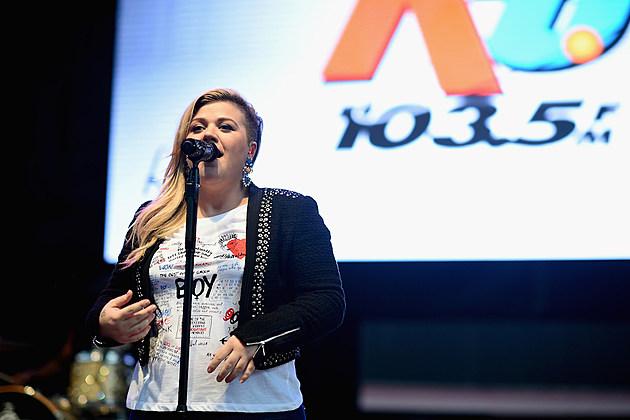 Kelly Clarkson Feeling Better Pregnancy